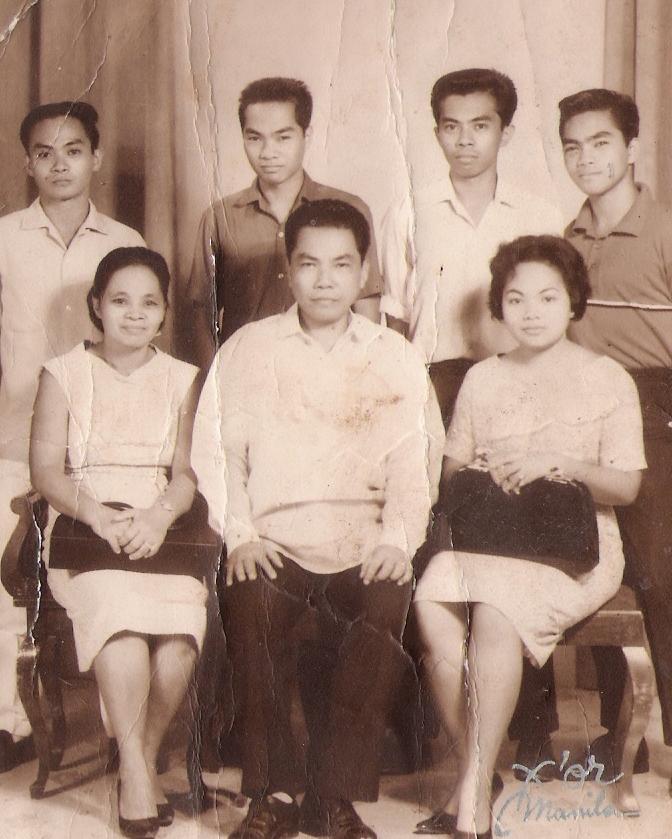Filemon and Felipa Villanueva and Family